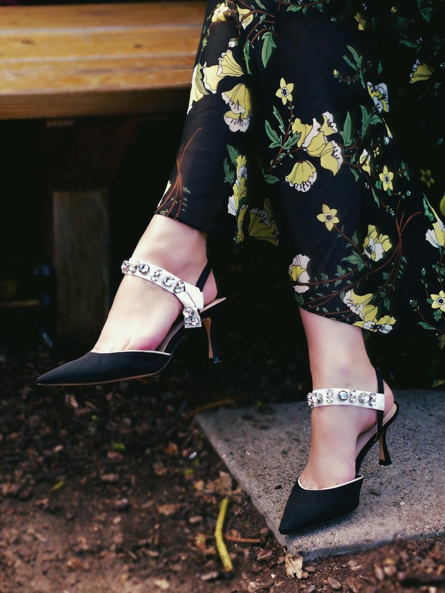 how to wear dark florals